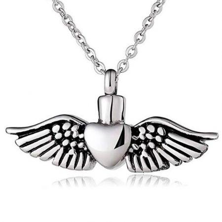 Ashanger met hart en vleugels