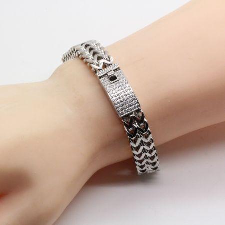 Edelstalen armband met zirkonia's